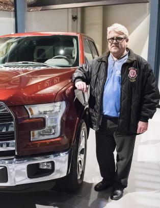 Norges d�d er blitt USA-industriens br�d: Fabrikken klarer ikke lage nok monsterbiler