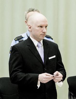 Storrvik: - Breivik har begynt � rote litt