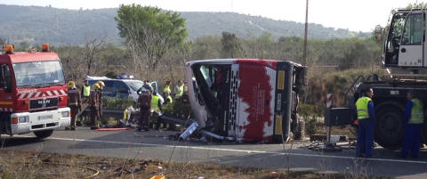 Minst 13 d�de i bussulykke i Spania - flesteparten av passasjerene er utvekslingsstudenter