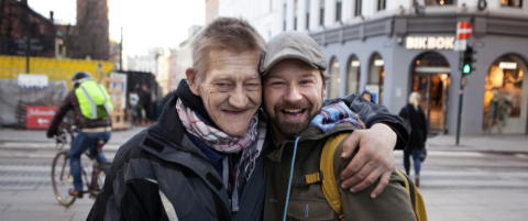 Slik forandret �Petter Uteligger� livet til de hjeml�se p� gata