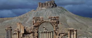 - Syriske regjeringsstyrker presser IS ut av oldtidsbyen Palmyra