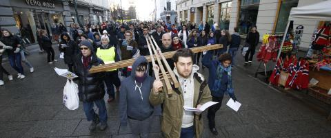 Korset b�ret gjennom Oslo langfredag