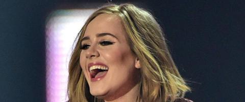 Adele knallhardt ut mot ammepress: - Dra til helvete