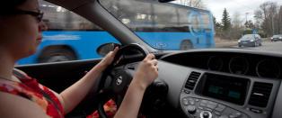 Bilekspert med beskjed til norske menn p� vei hjem fra p�skefjellet:  - La kona di f� kj�re som hun vil