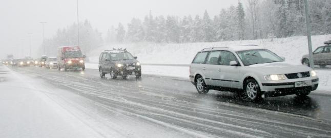Statens vegvesen: - Ha rikelig med mat og varmt tøy i bilen