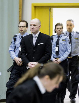 - Vi tror vi �m� gi Breivik en rettssak. Det m� vi ikke