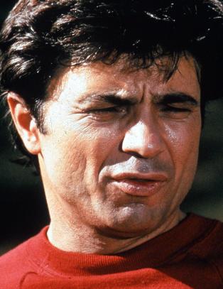F�rst ble �Tony Barettas� forlovede skutt p� film. S� ble hans virkelige kone drept - p� samme m�te