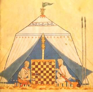 IKKE BARE KRIG: Dette verket viser en krsiten og en muslim som spiller sjakk. Det er fra senmiddelalderen. Foto: WIKIMEDIA