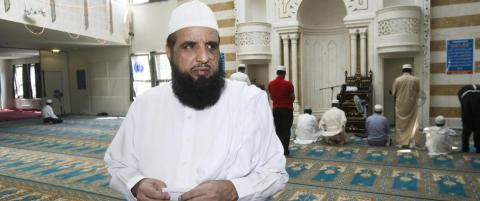 Politikerne m� v�ge � reagere mot imamen