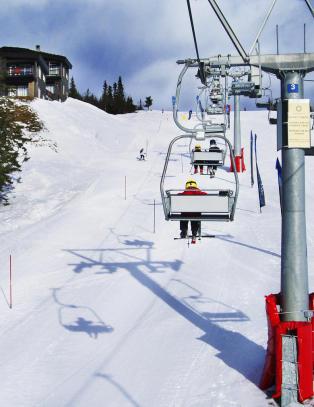 Mann i 40-�ra d�de i skiulykke p� Norefjell i g�r