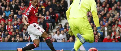 Martial med historisk scoring da United klamret seg til Champions League-h�pet