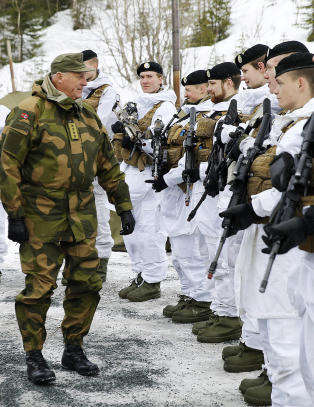 Forsvarskilder: Det vil ta �n til to m�neder for NATO � hjelpe Norge