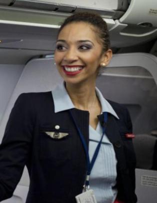 Flyvertinnene raste etter � ha blitt beordret til � bruke hijab. N� snur selskapet