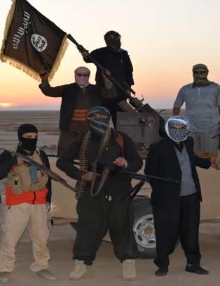 Hevder IS har bortf�rt flere hundre fabrikkarbeidere