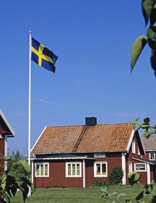 - Hei, det er Dagbladet som ringer. Har vi kommet til Sverige?