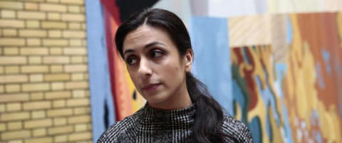 Hadia Tajik grovt hetset etter konge-standpunkt