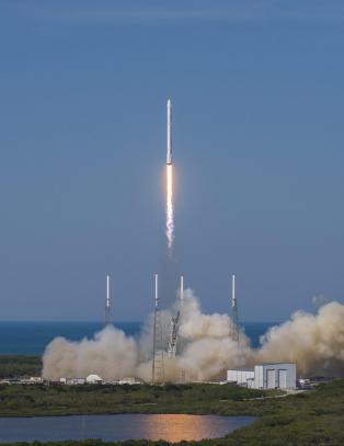 Historisk landing for ubemannet rakett
