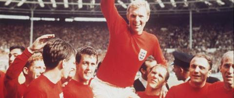 Tre spillere fra Englands gullag i 1966 lider av alvorlig sykdom. Kan skyldes fotballen