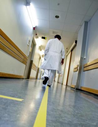 N� m� flere tusen pasienter betale langt mer i egenandel