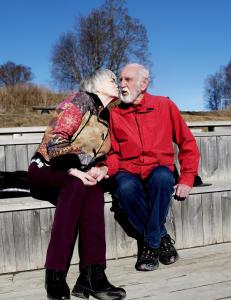 Erik (82) syntes det var et sjokk å bli alene. Så møtte han Edel (73)