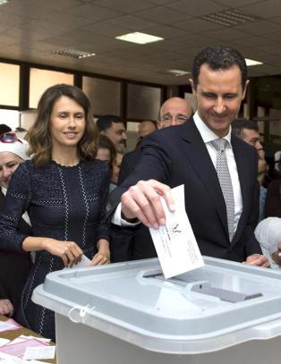 Valgfarse mens Assad truer v�penhvilen