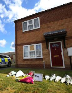 Mor og datter (13) funnet drept i England. To 14-�ringer siktet for drapet