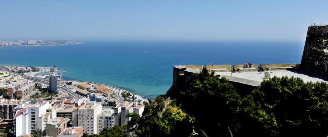 Lar seg friste av ferieboliger i Spania