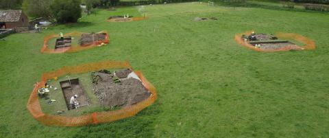 Luke trodde ikke sine egne �yne da arkeologene begynte � grave i hagen hans