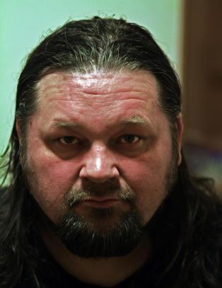 Johan Mathis fikk vite om onkelens d�d p� Facebook: - Det er ikke om � gj�re � v�re f�rst