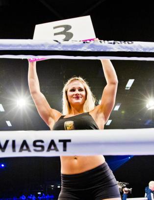 Svensk bokser nekter � g� VM-kamp om ikke �rundejentene� erstattes med gutter