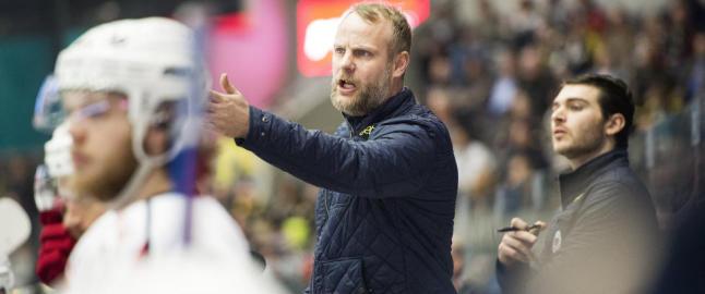 L�renskog-treneren har ikke tatt trener A-kurset, likevel kan han og laget stikke av med �b�tta�