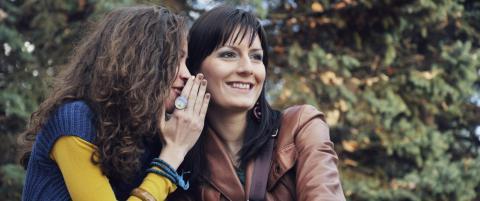 - M�ter ofte mennesker som f�ler seg presset til � dele intime detaljer ved sykdom, samlivsbrudd, og barnl�shet