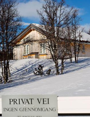 Kronprinsparet kj�pte private hyttetomter, men registrerte ikke seg selv som eier