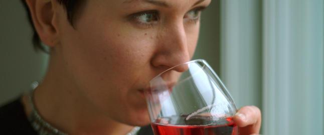 Ros�vin like naturlig som en pils i solveggen