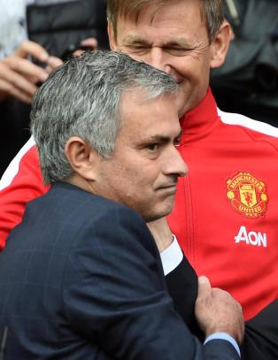 Hevder Mourinho har signert for Manchester United