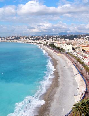 Her er ti byer der du ogs� b�r pakke shorts og bikini