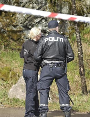 Etterforsker mulig drap: D�d person funnet ved Ammerud skole