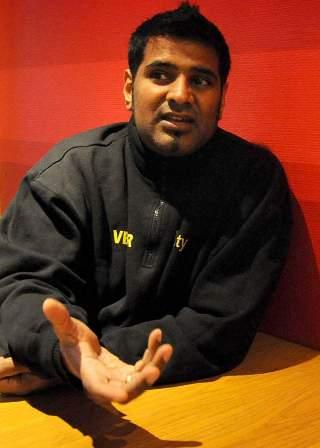 LETT � KJ�PE V�PEN: Elyas Mohammed mener det er en enkel sak � skaffe v�pen i Oslo. Foto: �istein Norum Monsen