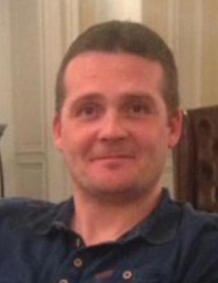 Tobarnsfaren Iain (41) d�de: - Vi som familie er knust