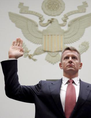 Han sto bak USAs mest kontroversielle leiesoldater. S� forsvant han fra radaren