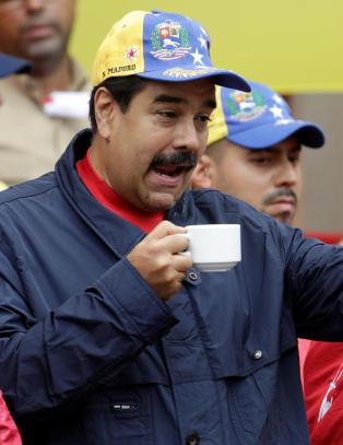 Desperate venezuelanere plyndrer matbutikker