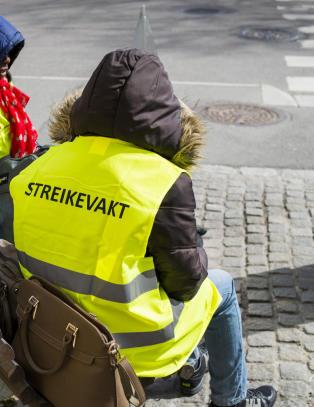 Tusen nye streikende, i 100 bedrifter. I sju fylker