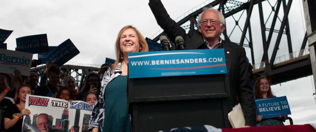Kj�rkommen seier for Sanders over Clinton