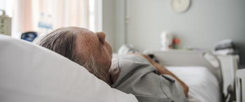 Kreftsyke �Joar� (70) ligger p� sykehus i Pattaya og vet ikke om han f�r bli