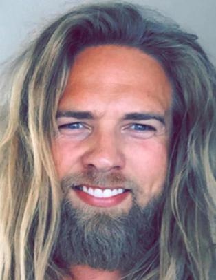 Norske Lasse (30) går som en farsott i utenlandske medier: - Surrealistisk!