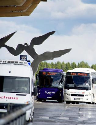Busser kan st� fra midnatt