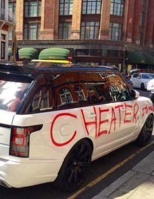 Lurte publikum og medier med utroskapstunt i London