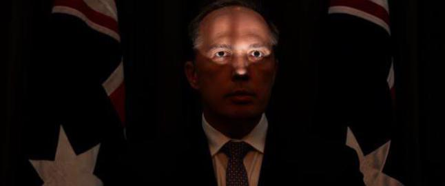 Den australske innvandringsministeren ba om at bildet m�tte slettes. Han lyktes s�nn passe