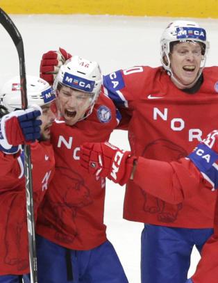 Norge med sterk VM-skalp etter hockeydrama. Sjefen var likevel irritert