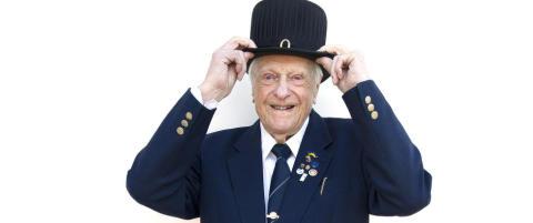 Lennart (100) begynte med 600 kroner. N� har han 150 millioner: - Det er utrolig lett � bli rik